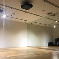クラウンダンススタジオ海浜幕張分校の内観